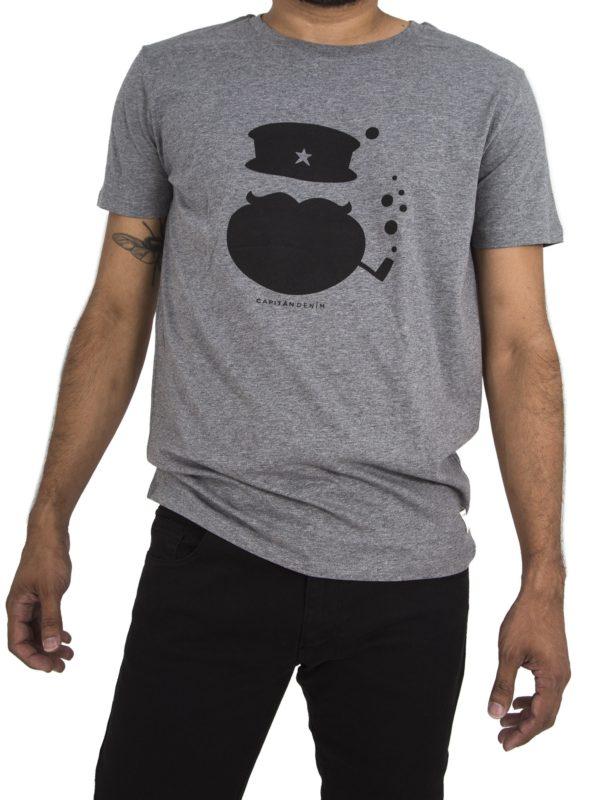 camiseta-capitan-gris-modelo