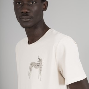 camiseta-capitan-hueso-guepardo-modelo-dos