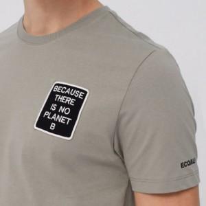 camiseta-hombre-natal-because-dark-khaki-modelo-dos