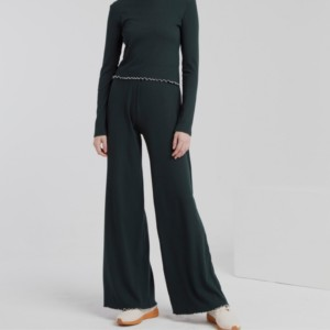 pantalón-largo-mujer-rib-wide-scarab-green