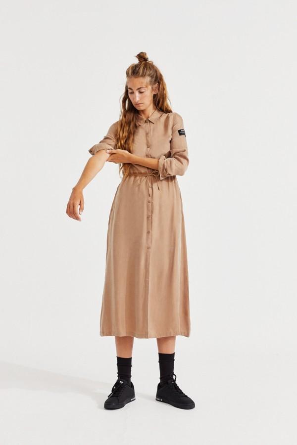 murren-dress-woman-bali-sand