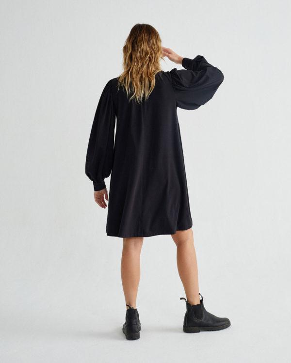 black-flora-dress